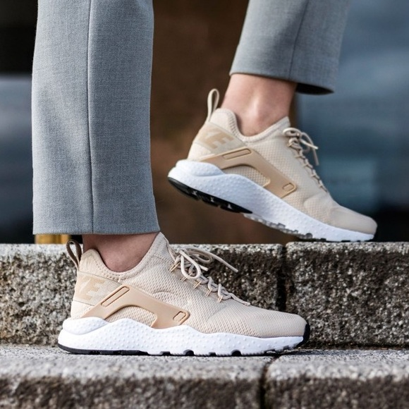 50% price recognized brands good out x EUC {NIKE} Air Huarache Run Ultra, Oatmeal/Linen